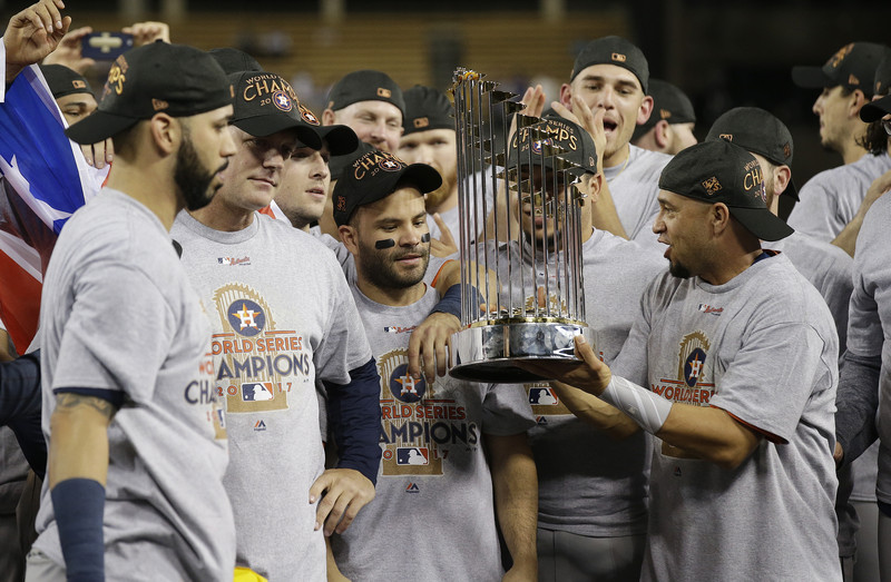 MLB boss sorry for calling trophy a 'piece of metal'