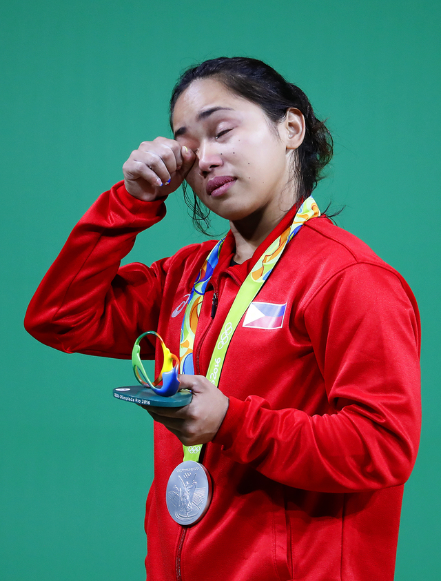EMOTIONAL. Hidilyn Diaz can't help her emotion at the podium. EPA/NIC BOTHMA