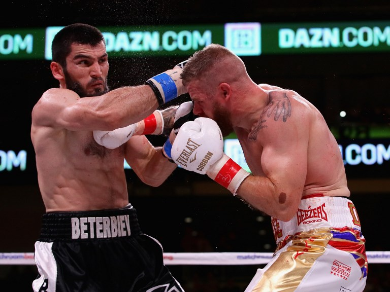 Beterbiev knocks out Johnson to keep light heavyweight crown