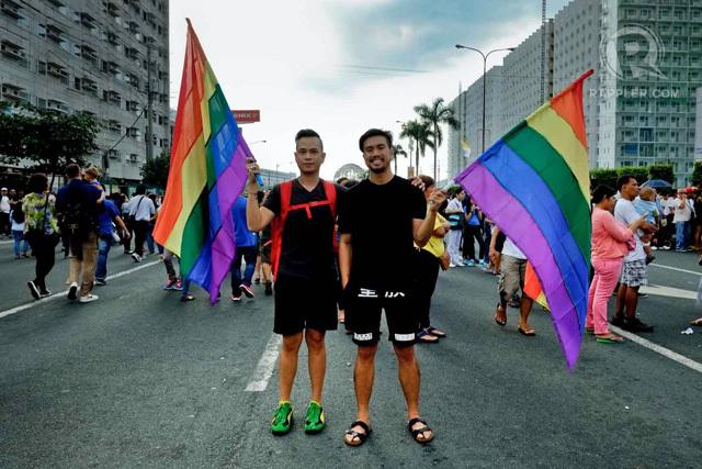 Pendukung persamaan hak kaum gay dan lesbian di Manila, Filipina. Foto oleh George Moya/Rappler