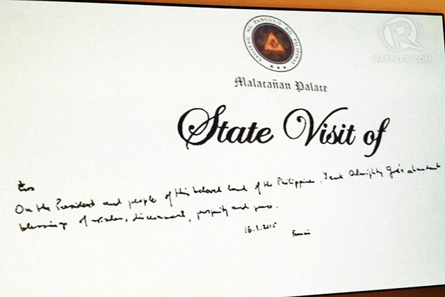 Pope Francis' message written on the Malacañang guest book.