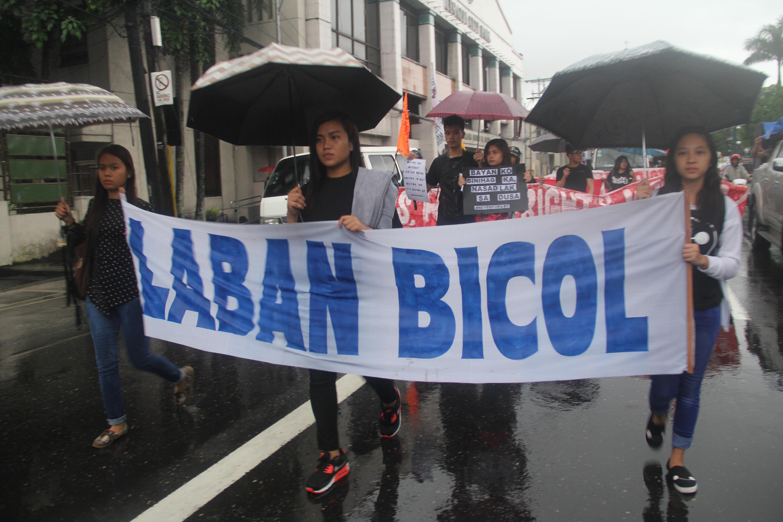 LABAN BICOL. Protestors in Albay. Photo by Rhaydz Barcia/Rappler