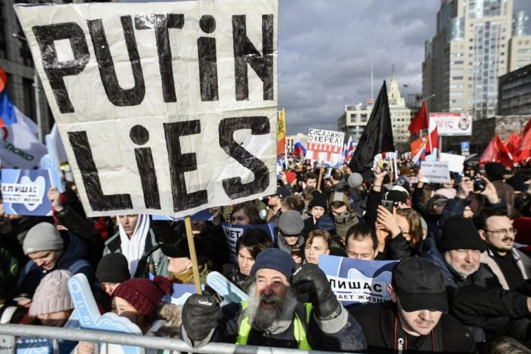 afp-russia-protest-internet-control-000_1EF9I7-20190311.jpg
