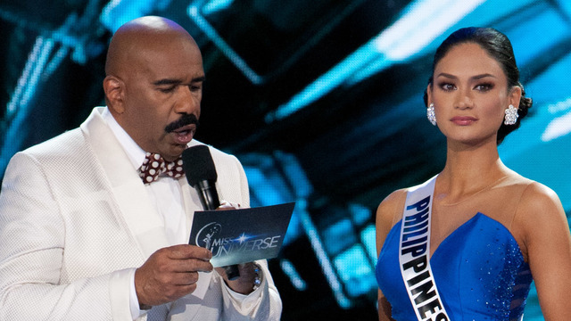 ISIS THREAT? File photo shows Steve Harvey asking Miss Universe Pia Wurtzbach her Top 5 Final Question during the 2015 Miss Universe pageant. Photo courtesy of HO/The Miss Universe Organization