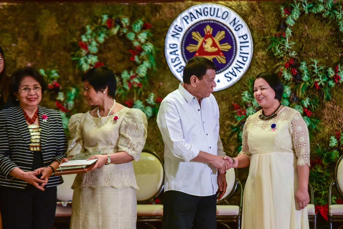 President Rodrigo Duterte with team leader Cindy Salimbagat