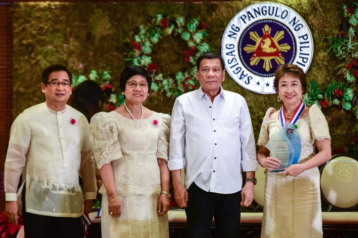 President Rodrigo Duterte with team leader Cynthia Abiol