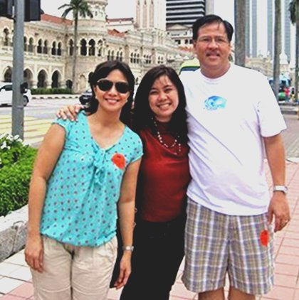 HER INSPIRATION. Aika Robredo with parents Leni and Jesse Robredo during a recent trip abroad. [Photo from Aika Robredo's Facebook page.]