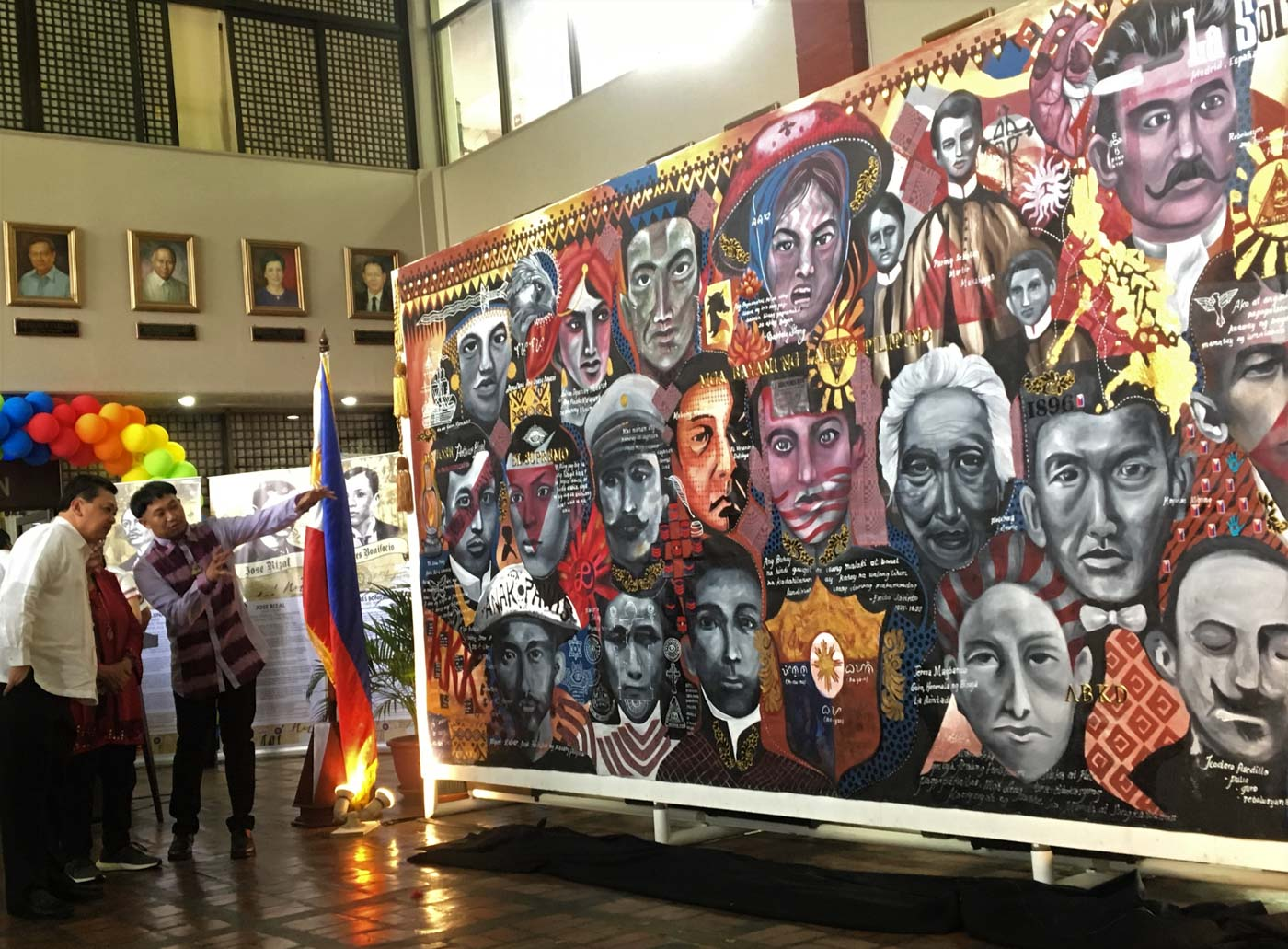 HEROISM. The Department of Education hails Filipino heroism during the unveiling of a mural exhibit at the Bulwagan ng Katarungan in Pasig City on Monday, June 24. All photos courtesy of Department of Education