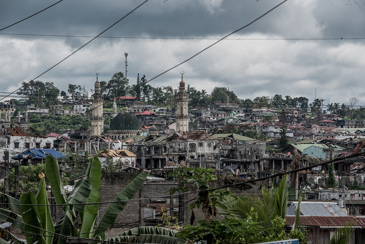 RECOVERY. The armed conflict in Marawi City lasted for nearly 5 months, forcing more than 353,920 to flee their homes. Out of over 90 villages, only 17 have been cleared by security forces for the safe return of residents. Photo by Alecs Ongcal/UNHCR