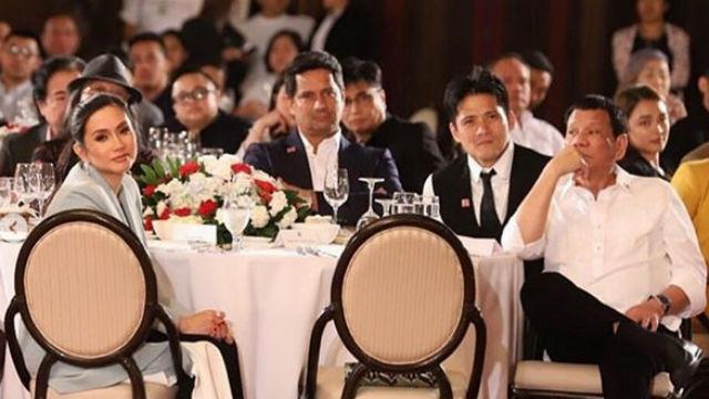 THANKSGIVING DINNER. Mariel Rodriguez, Richard Gomez, and Robin Padilla attend a thanksgiving dinner sponsored by President Rodrigo Duterte. Screenshot from Instagram.@marieltpadilla