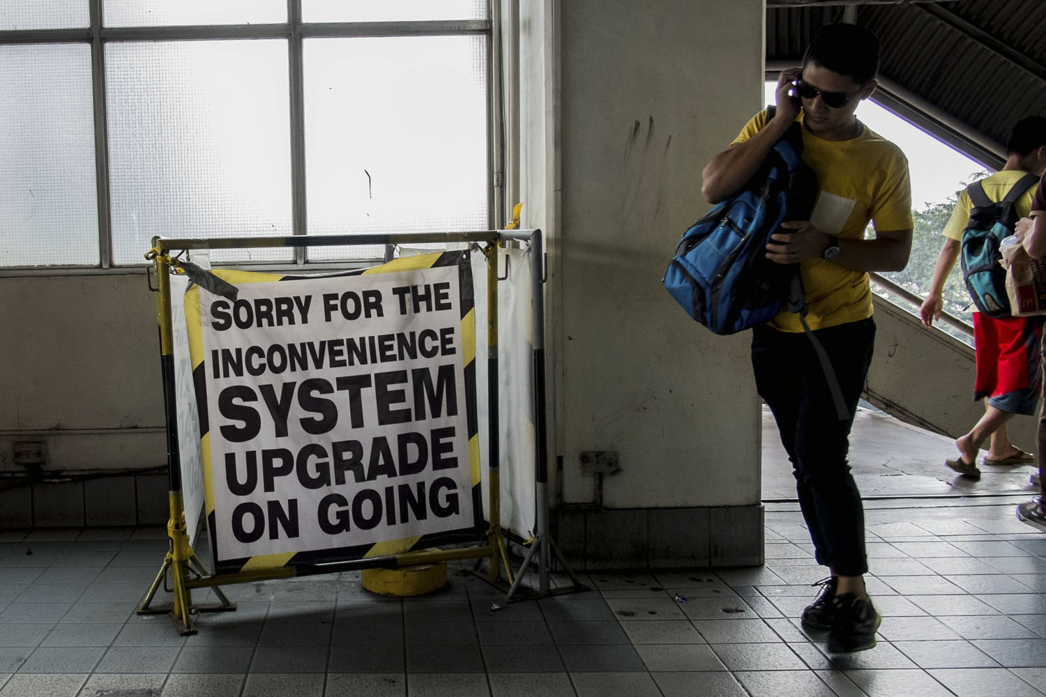 UPGRADE. MRT implements new hours. File photo by Mark Z. Saludes/Rappler