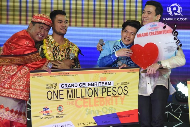 GRAND WINNER. Tres Kantos and mentor Erik Santos celebrate after being named the first Grand Celebriteam winner of 'We Love OPM.' Photo by Alecs Ongcal/Rappler
