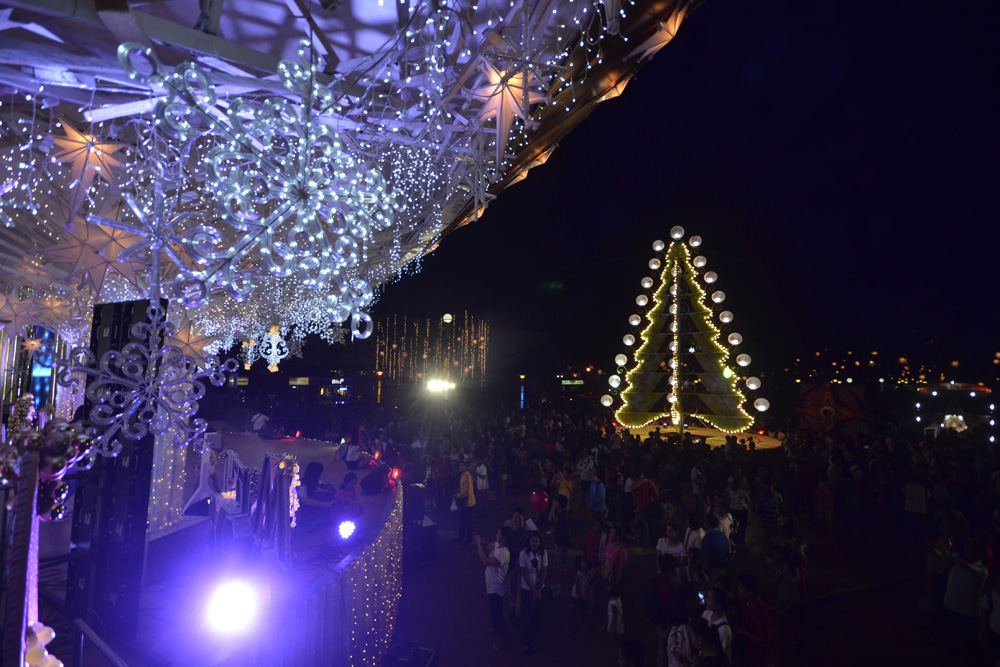 Christmas Lights In Pampanga.These 7 Places In Ph Shine Bright And Beautiful Every Christmas