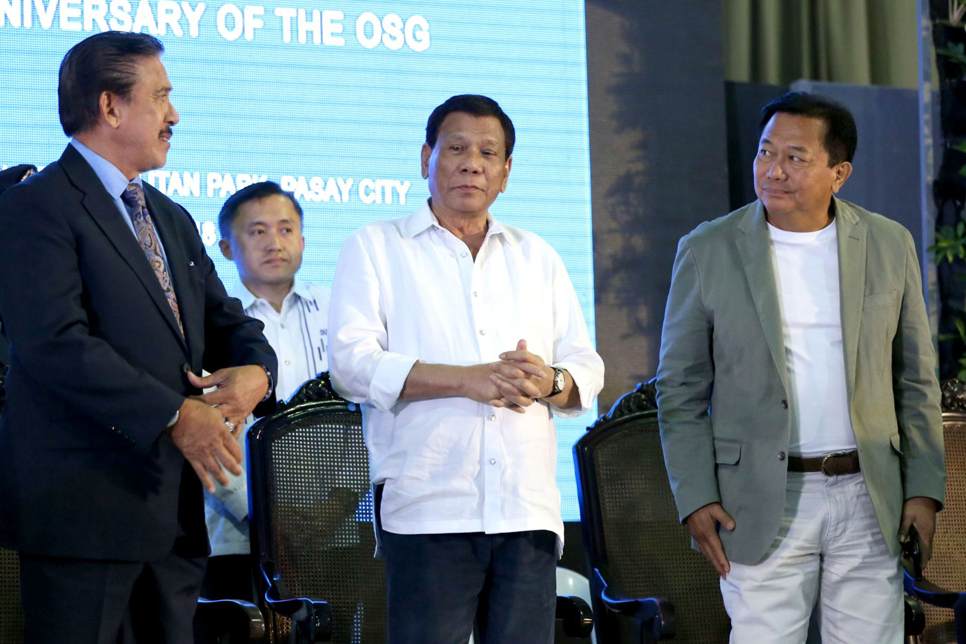 FEDERALISM OVER POLLS? Speaker Pantaleon Alvarez (R) joins President Rodrigo Duterte (middle) and  Senate President Vicente Sotto III (L) at the 117th anniversary celebration of the Office of the Solicitor General on July 3, 2018. File photo by Malacañang