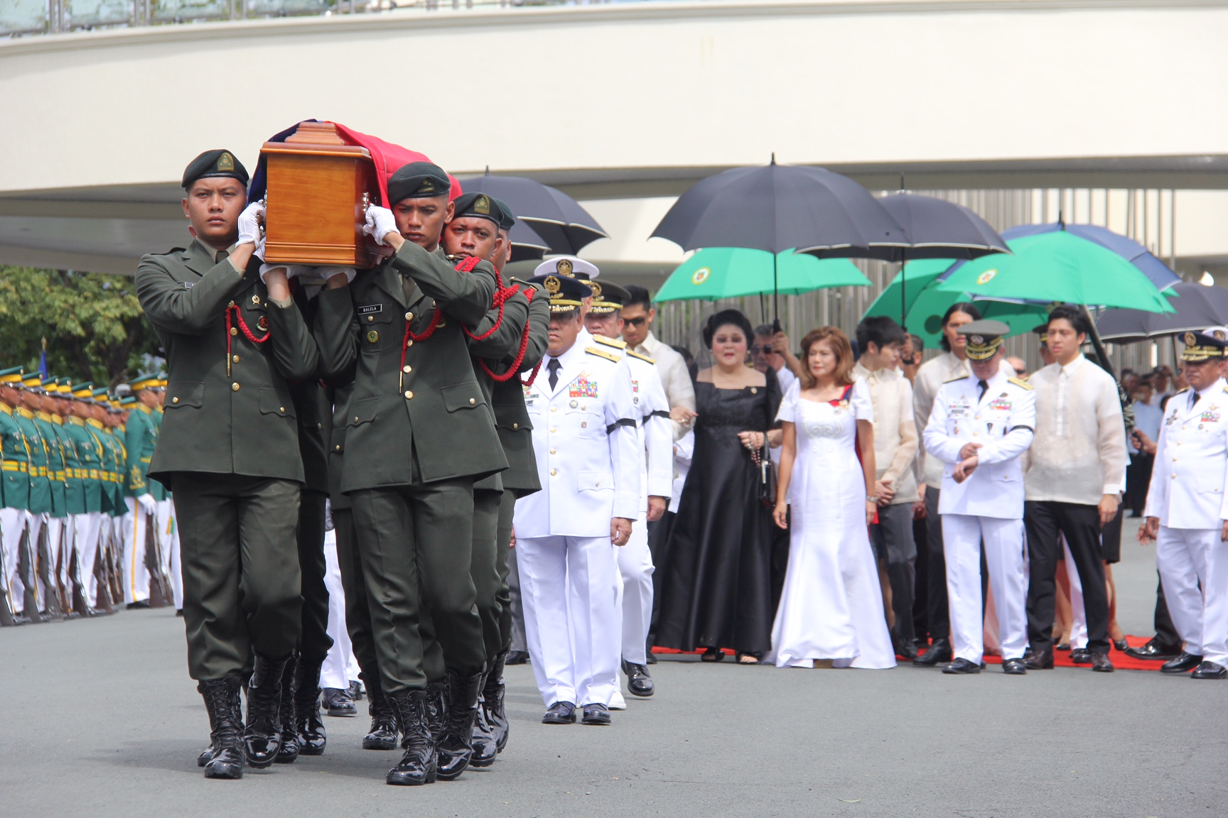 CONTROVERSIAL BURIAL. The late dictator Ferdinand Marcos is buried at the Heroes' Cemetery on November 18, 2016.