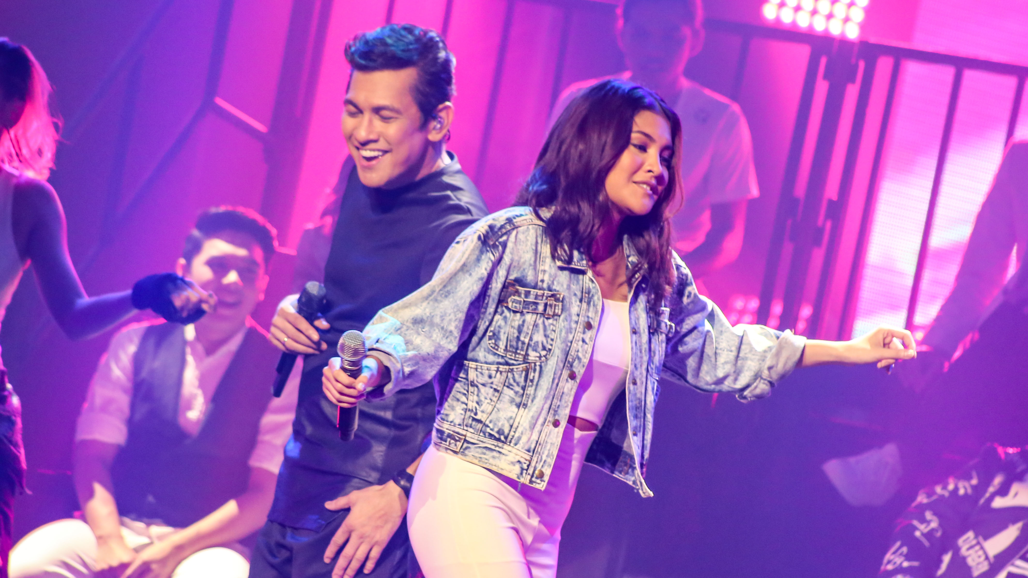 Gary V concert celebrates 33 years in showbiz – and is a reflection