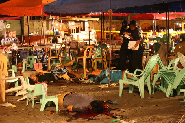 DAVAO BOMBING. An explosion hit a night market in Davao City on September 2, 2016, killing at least 14 people and injuring more than 60 others. Photo by Manman Dejeto/Rappler