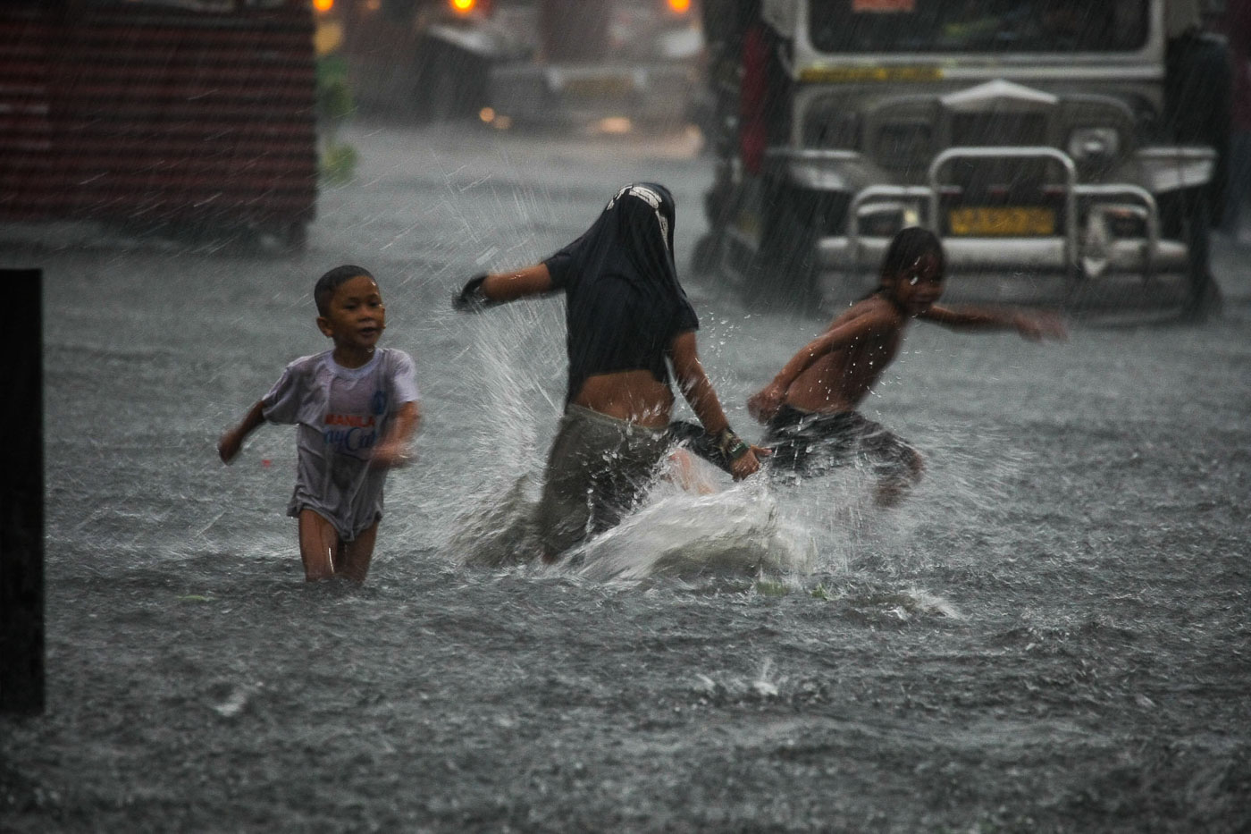 Floodwaters rose around the Manila City Hall as the afternoon heavy downpour brought about by the effect of Typhoon Maria stranded commuters trying to catch their ride home. July 7, 2018. Photo Jire Carreon/Rappler
