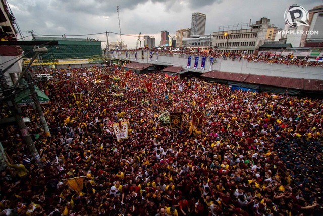 PANORAMA. Drones and snipers give cops a wider view of the procession of the Black Nazarene. Rappler file photo