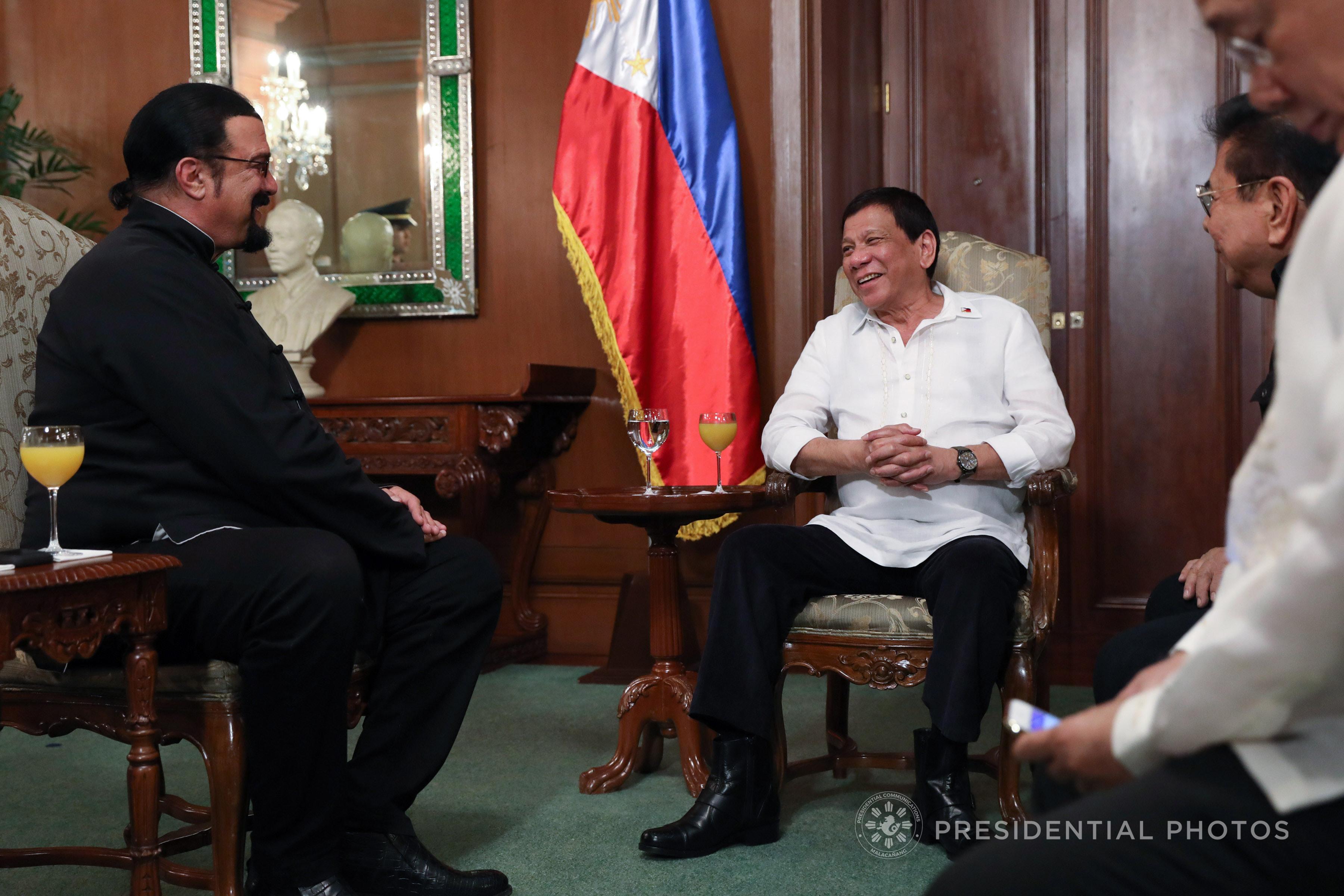 Картинки по запросу Steven Seagal meets Duterte