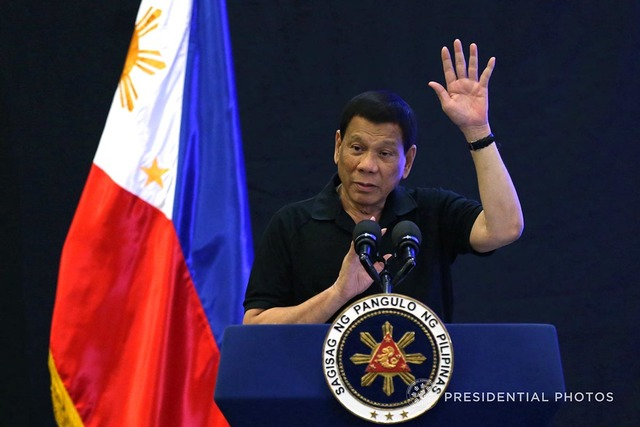 PARTNERING WITH CHINA. President Rodrigo Duterte wants to push through with joint exploration in the West Philippine Sea with China. Malacañang photo