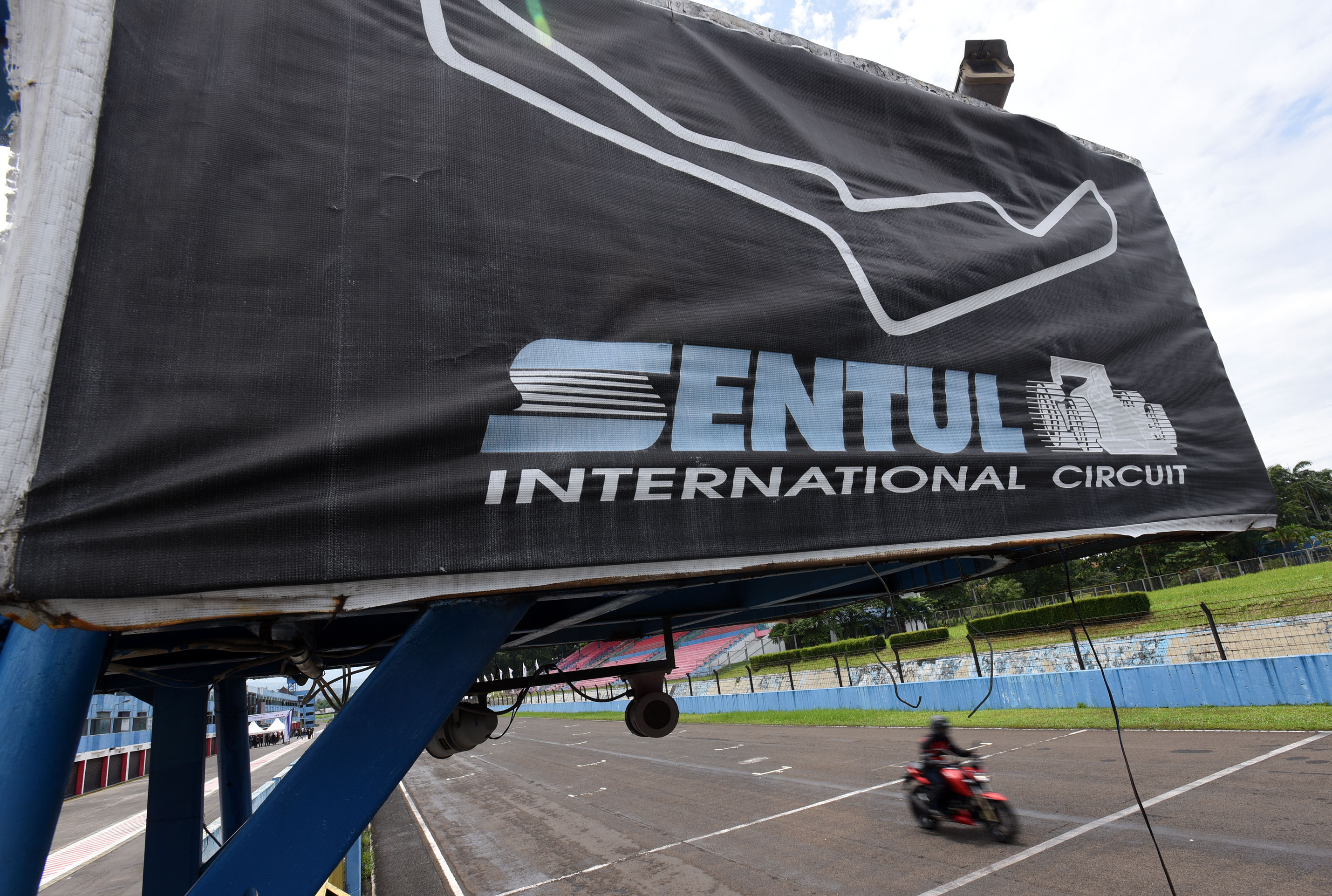 Circuit Sentul : Demi motogp indonesia sentul rela rombak sirkuit tanpa apbn
