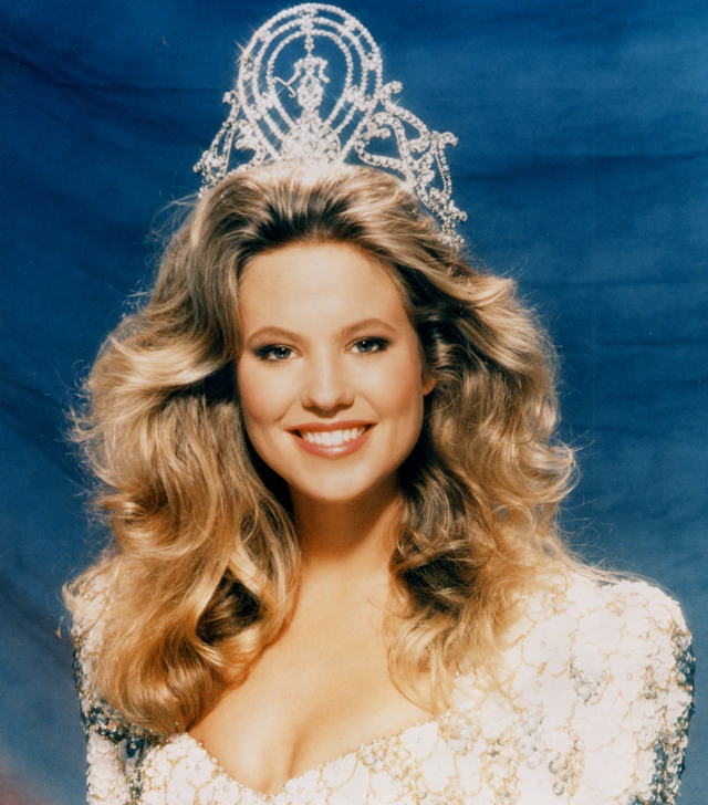 HOLLAND'S PRIDE. Miss Universe 1989 Angela Visser. Photo from the Miss Universe Organization