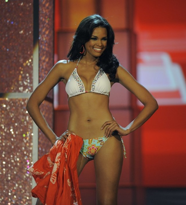 LATINA BEAUTY. Miss Dominican Republic Ada Aimee de la Cruz during the Miss Universe 2009 Pageant at Atlantis, Paradise Island Bahamas on August 23, 2009. File photo by Timothy A. Clary/ AFP