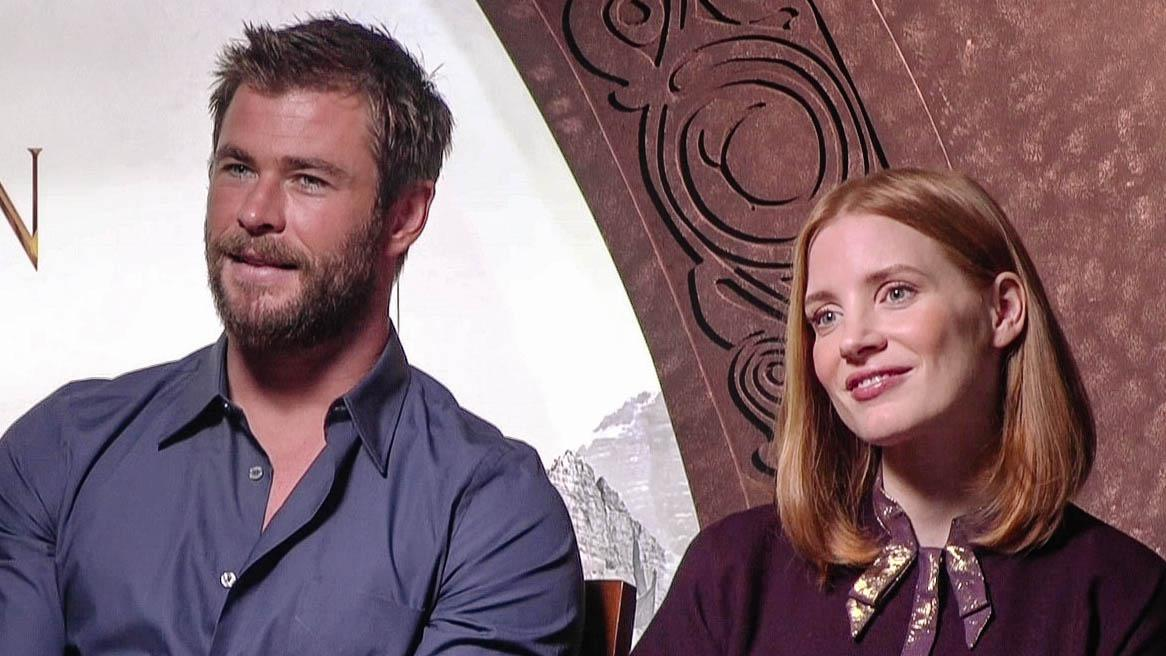 Image result for jessica chastain and chris hemsworth