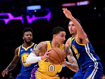hot sale online 0ee0c ae44a Lakers-Warriors match set for Christmas Day
