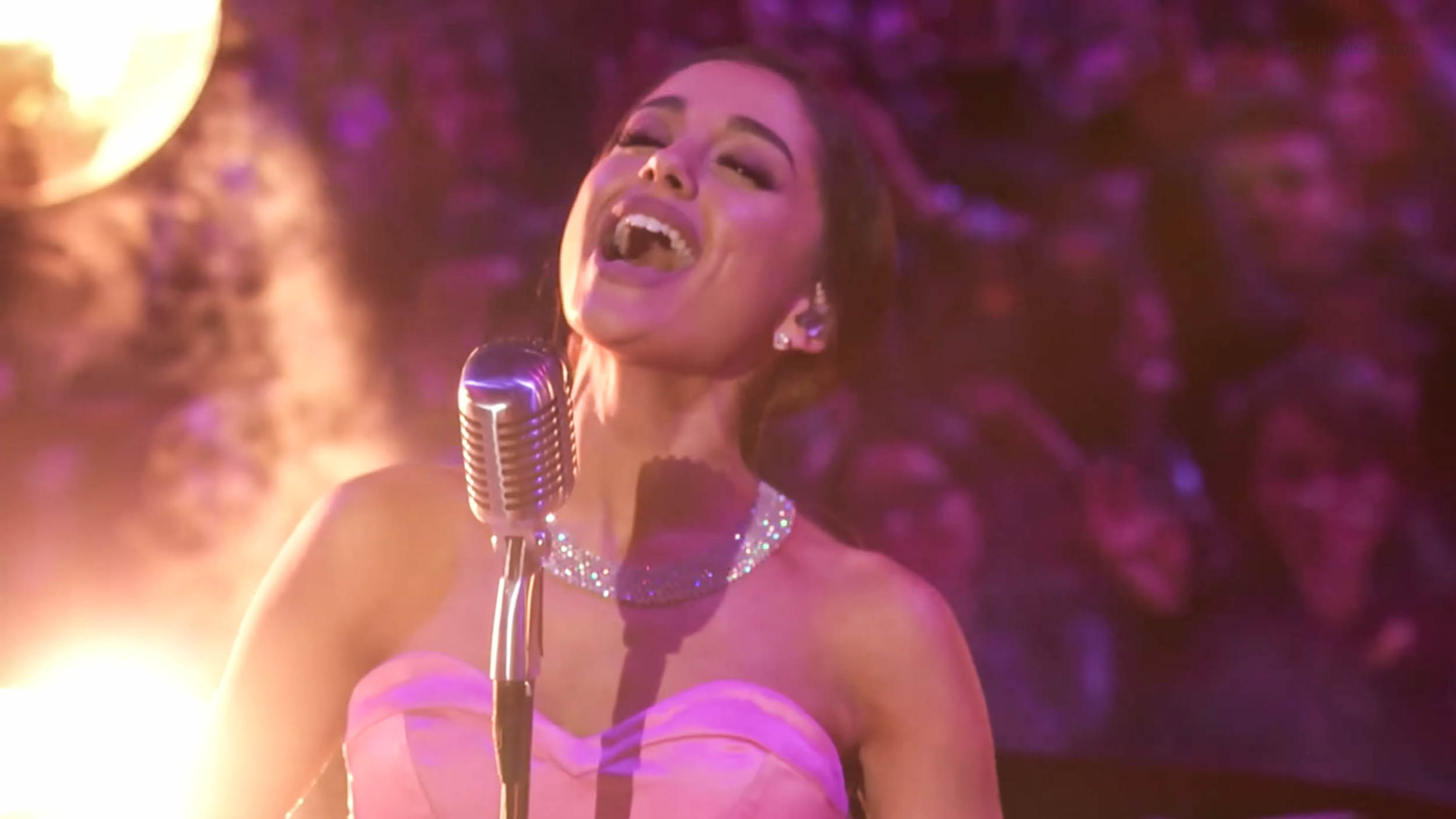 WATCH: Ariana Grande performs 'Dangerous Woman' at the 2016 MTV Movie Awards