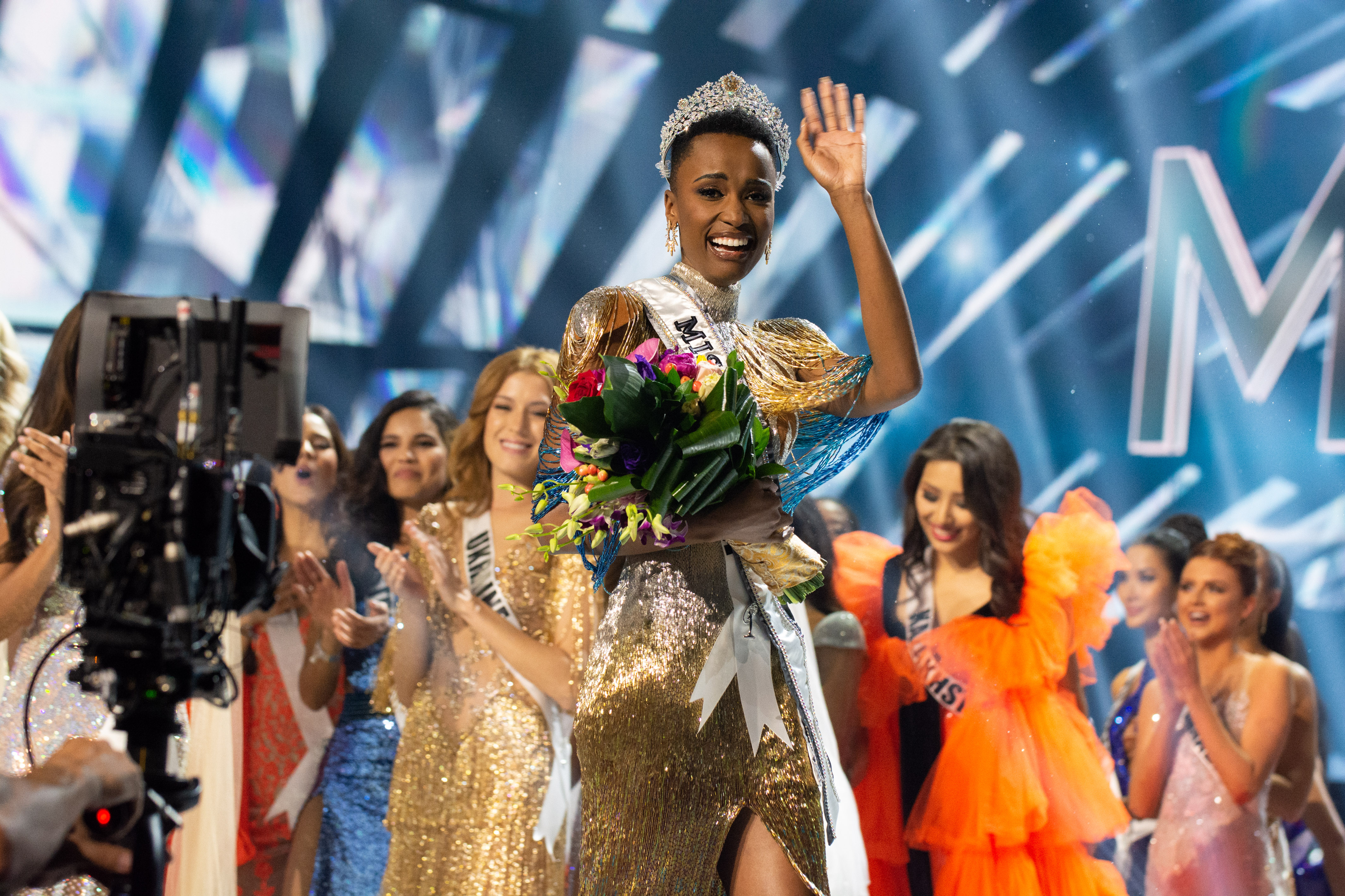 NEW QUEEN. Zozibini Tunzi, Miss South Africa 2019, is crowned Miss Universe on December 9, 2019 in Atlanta. Photo from the Miss Universe Organization.