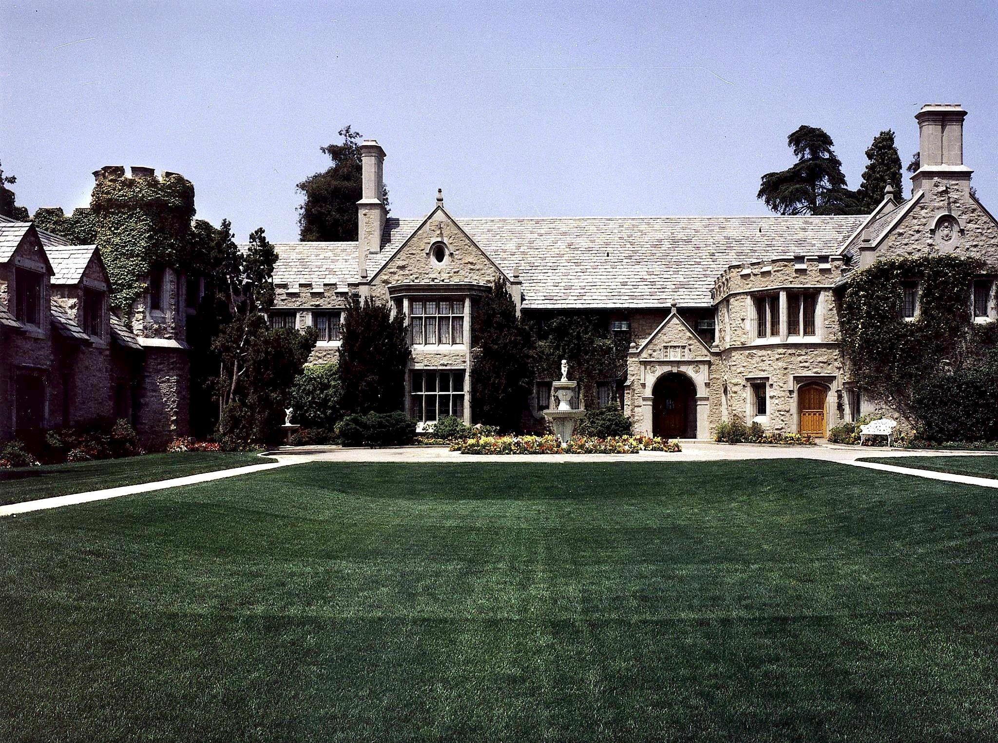 Hugh Hefner House Tour