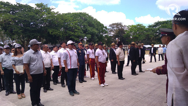 1995 MEMBER. NCRPO Chief Oscar Albayalde stands with his new adopted class members. Photo by Bea Cupin/Rappler