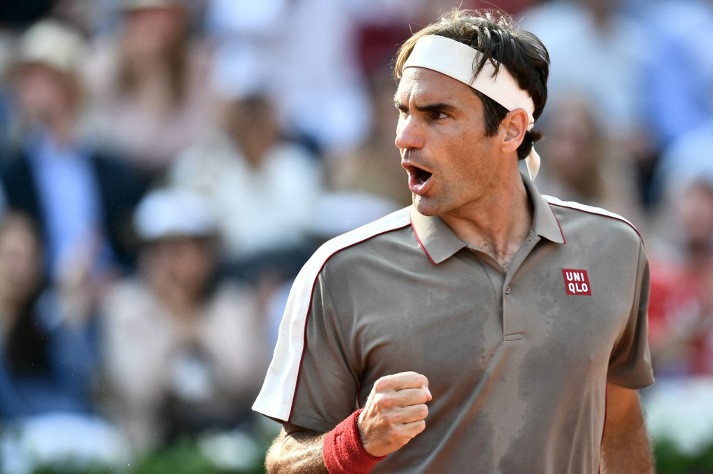 Can Federer defy age to lift 9th Wimbledon title?