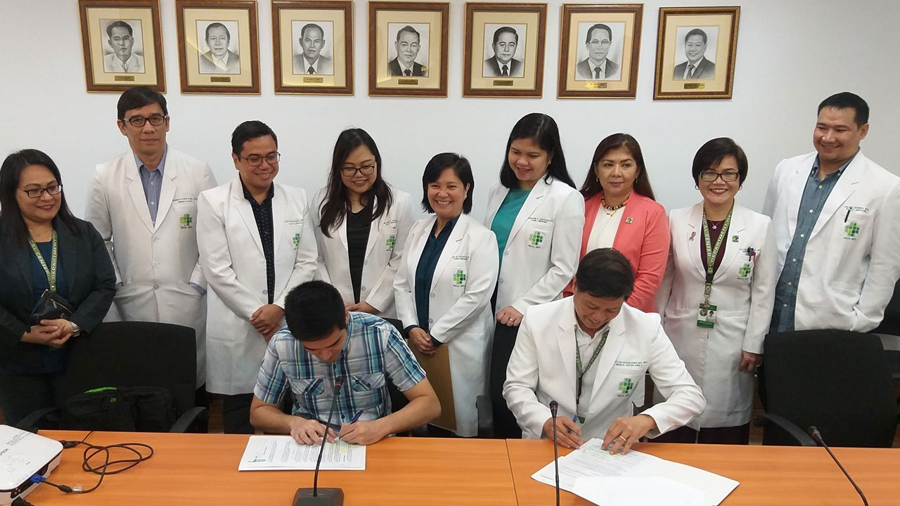 STRONG FRONTLINERS. Pasig City Mayor Vico Sotto signs an agreement with the Rizal Medical Center for the training and development of doctors for barangay health centers. Photo from Vico Sotto's official Facebook page SOURCE Photo taken from Vico Sotto's offical Facebook page