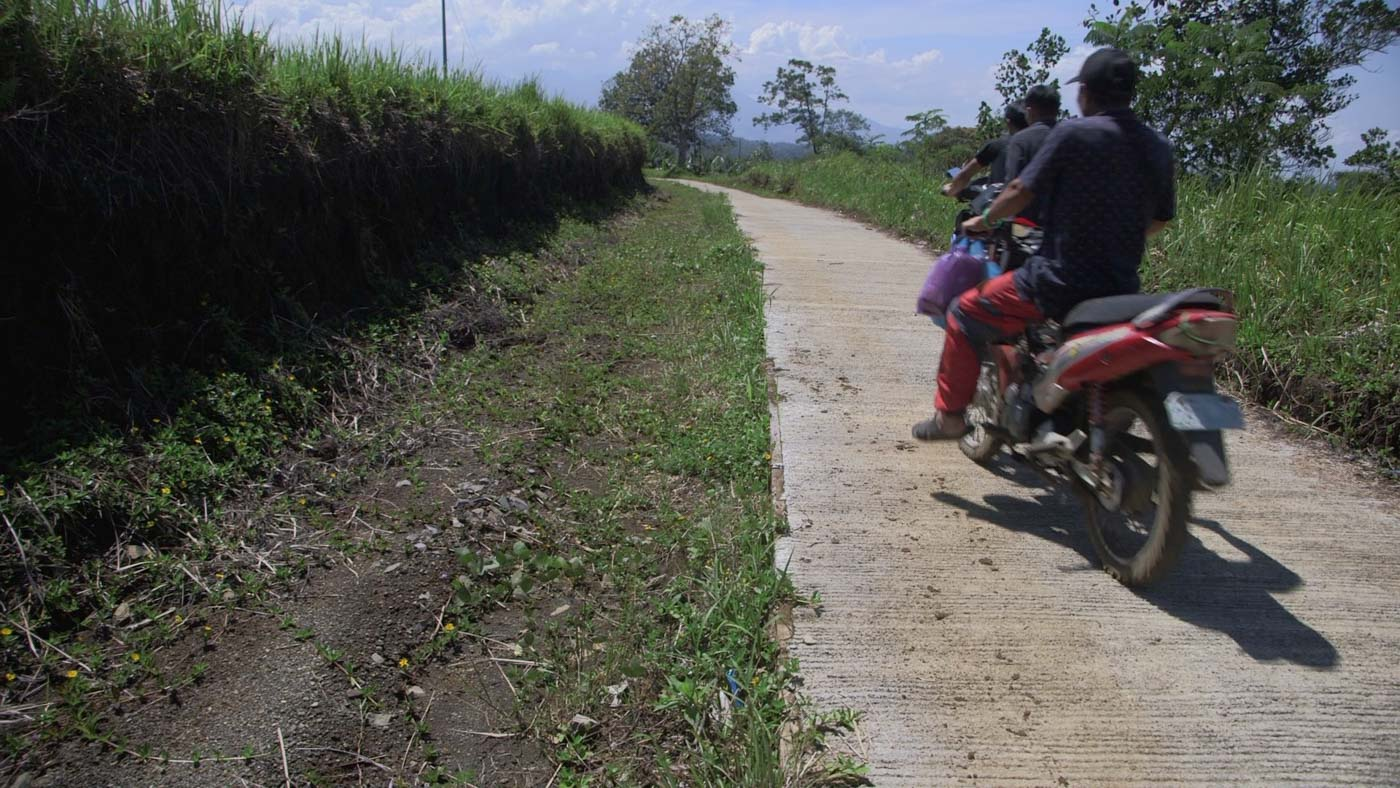 HALF AND HALF. Literally half-finished roads, like this one in Binidayan, are a common sight in Lanao del Sur's 2nd District. Photo by Adrian Portugal/Rappler