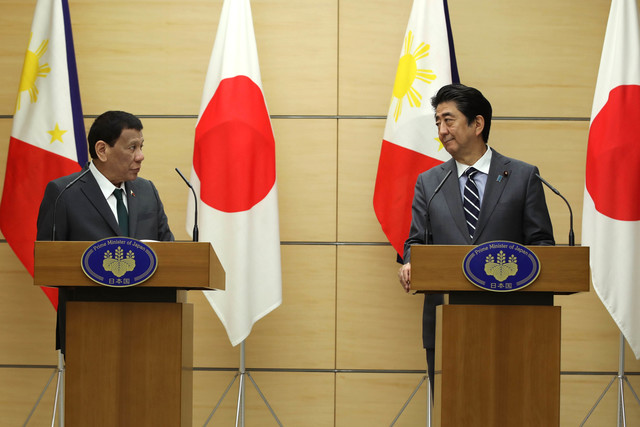 SUMMIT MEETING. President Rodrigo Duterte and Japanese Prime Minister Shinzo Abe deliver a joint statement after their summit meeting at the Prime Minister's Office in Tokyo, Japan on May 31, 2019. Presidential Photo