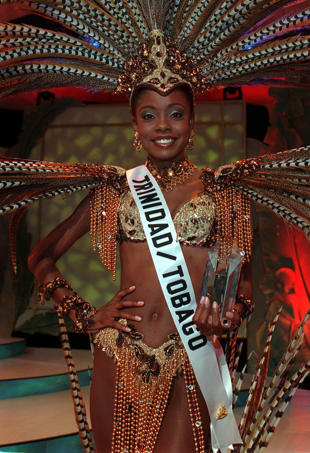 "Wendy Fitzwilliam, MISS TRINIDAD & TOBAGO 1998, wins Best in National Costume Award May 7, 1998 from Honolulu, Hawaii chosen by a panel of Hawaiian based judges. Fitzwilliam said the costume, entitled ""Freedom"" , represents the spirit of her people and a cry of hope. The prize includes $1,000 cash and commemorative Hoya Crystal Trophy. Photo from the Miss Universe Organization"