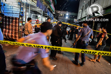 LOCKDOWN. In this file photo, cops cordon off the blast site after the explosions in Quiapo last Saturday, May 6, 2017. File photo by Rappler