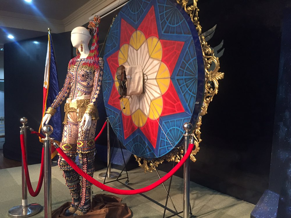 21de539ede7985 EXHIBIT. The national costume worn by Catriona Gray at the Miss Universe  2018 pageant is