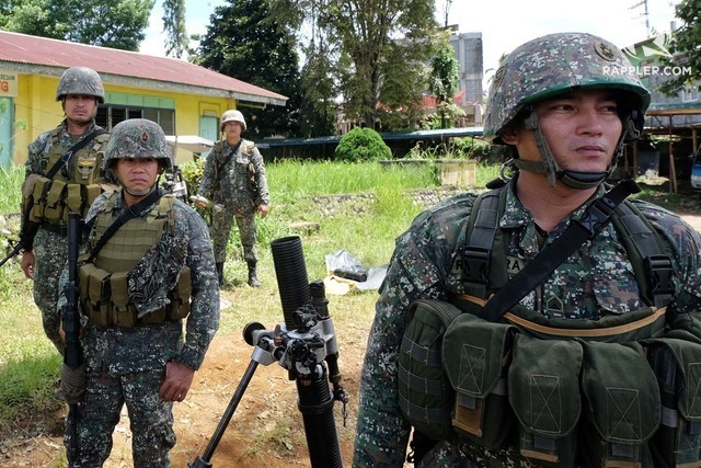MARAWI PUSH. Troops continue to advance in the battle area in Marawi City. File photo by Bobby Lagsa/Rappler
