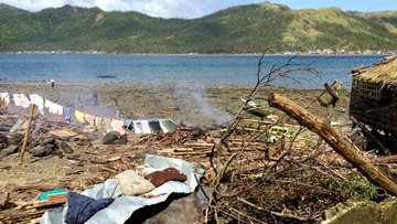 HIGHLY VULNERABLE. According to government scientists, coastal areas in Samar like Daram are 'highly vulnerable to occurrence of high surges'. All photos by Voltaire Tupaz/Rappler