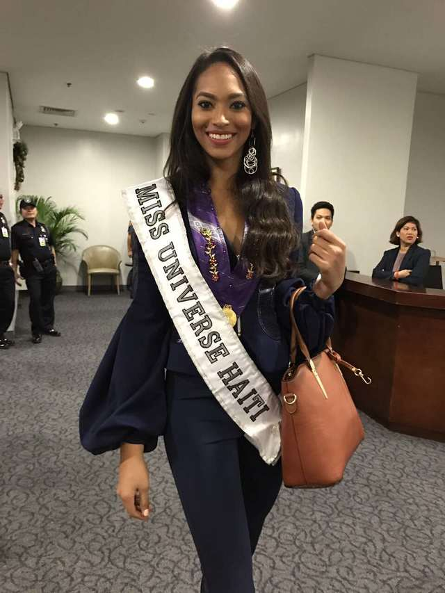 MISS UNIVERSE 2016 :: OFFICIAL CONTESTANT HEAD SHOT | Miss