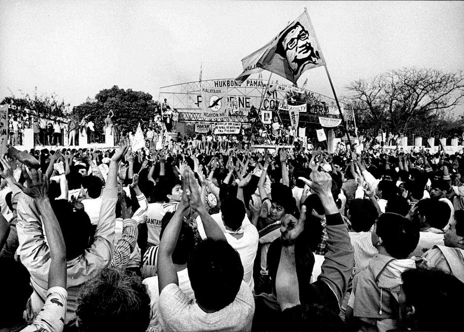 edsa people power revolution People power anniversary is a nationwide observance and school holiday in the philippines each year this event holds a special place in the hearts of many filipinos as they remember a revolution that restored democracy in the philippines in 1986 a major road in manila, known as the edsa (pictured.