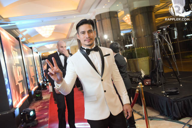 Piolo ina white tuxedo in 2016. File photo by Alecs Ongcal/Rappler