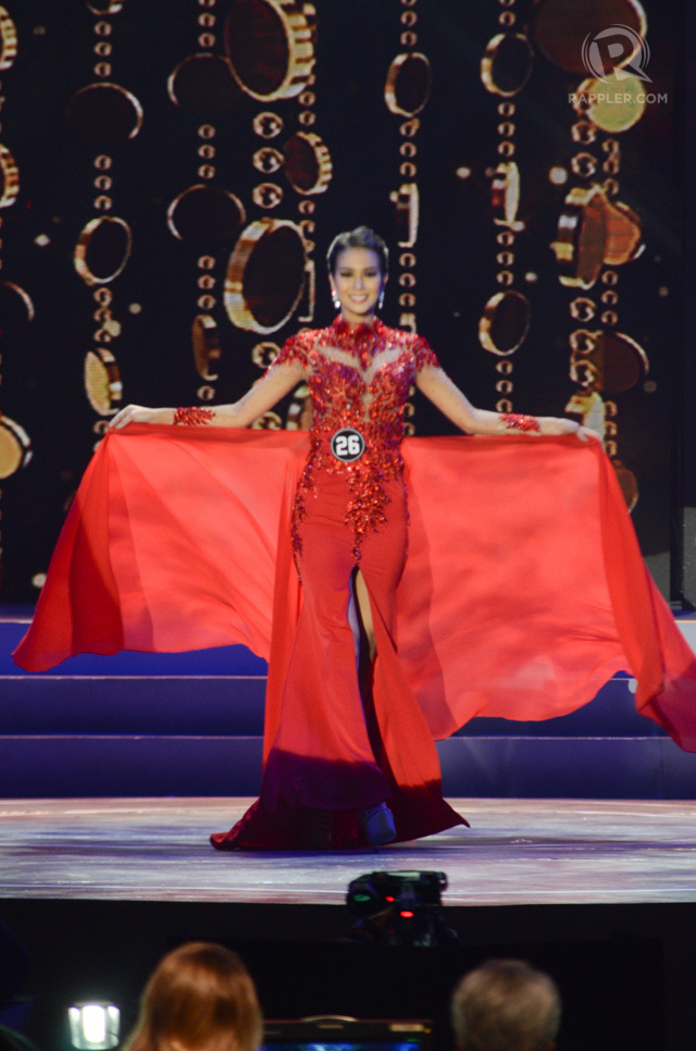 BEST IN LONG GOWN. Jennifer Hammond in Nat Manilag's creation. File photo by Alecs Ongcal/Rappler