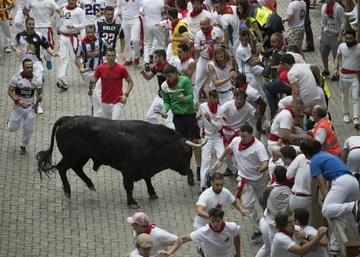 2 Americans Spaniard Gored In Spain S Pamplona Bull Run