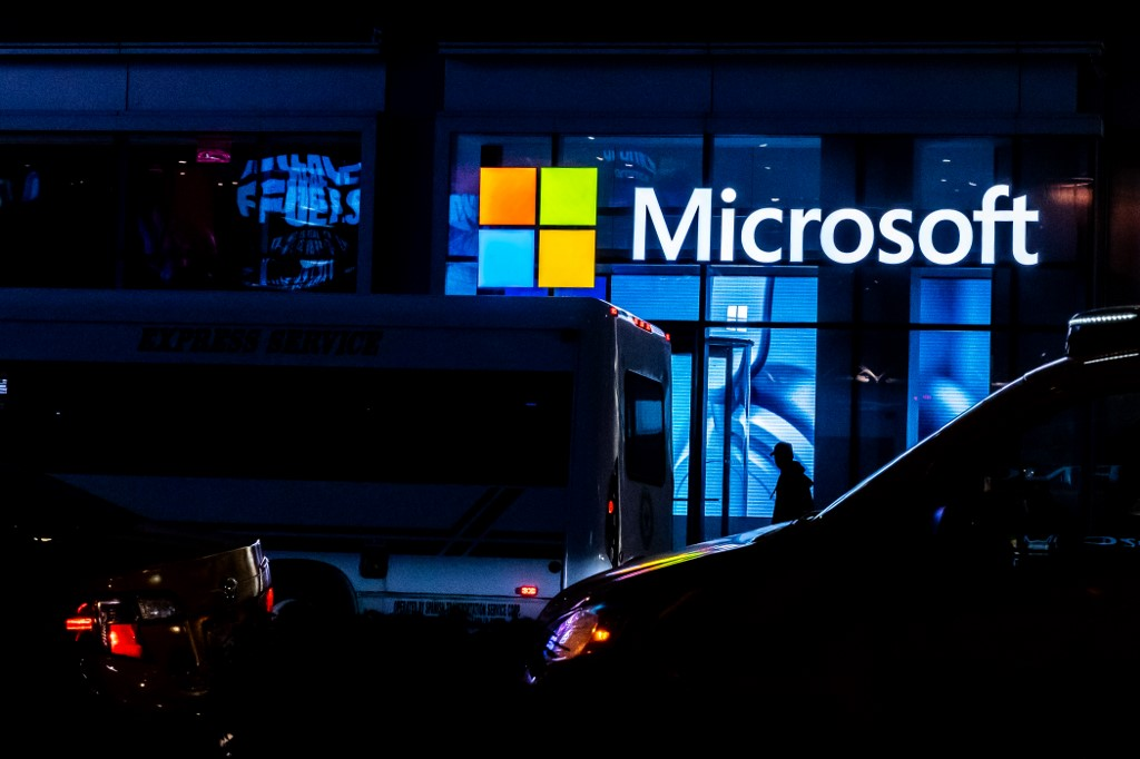 Microsoft to permanently close all retail stores - Rappler