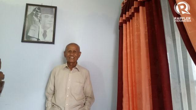 Ishak Bahar di rumahnya di Purbalingga, Jawa Tengah. Foto oleh Irma Muflikhah/Rappler